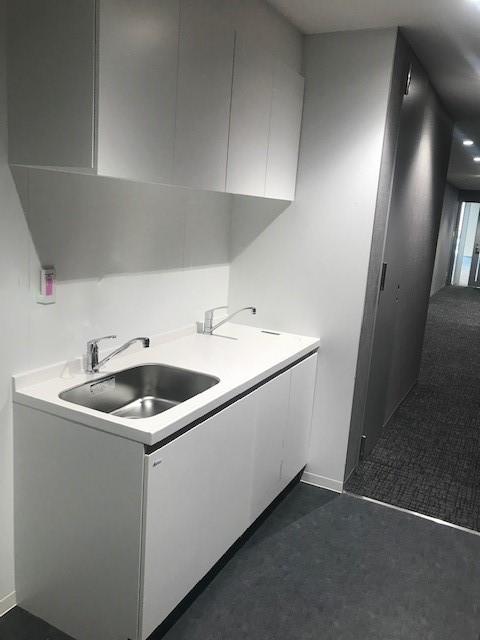 093 オフィス コンパクトキッチン納入事例