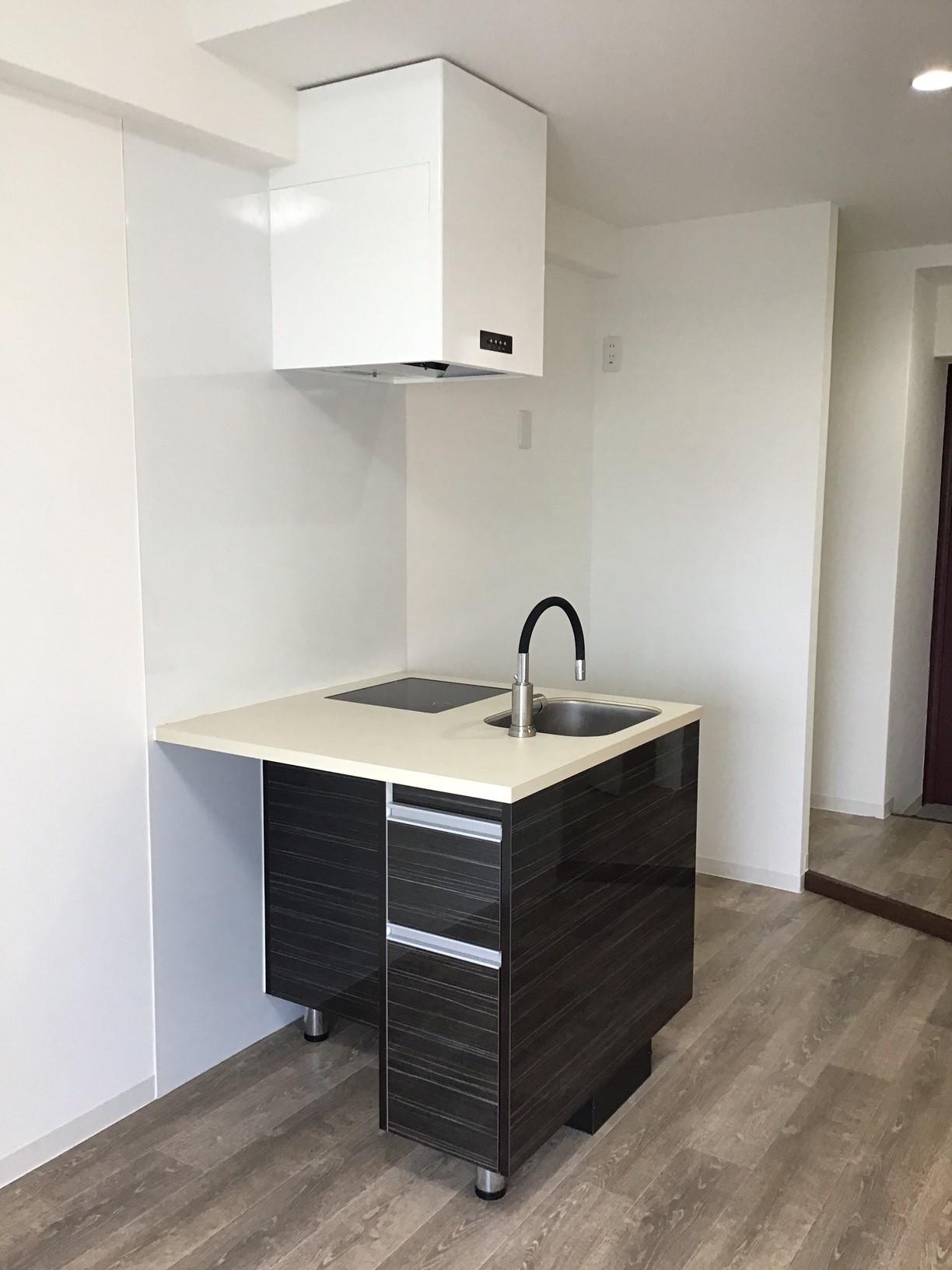 096 マンション デザイナーズキッチン納入事例